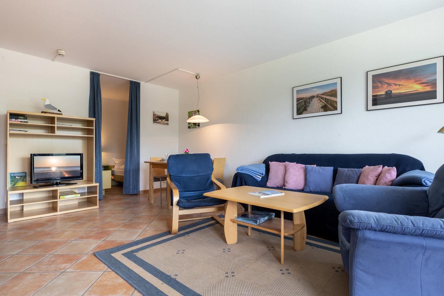 Wohnzimmer und 1. Schlafzimmer, Ferienwohnung 5, St Peter Ording Bad, Haus Atlantic,  Alter Badweg 11-15