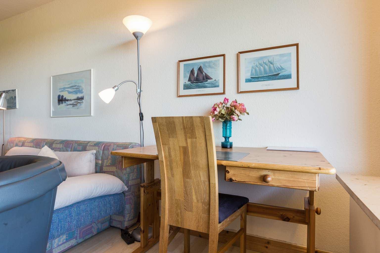 Schreibtisch, Ferienwohnung Nr. 80, St Peter Ording Bad, Haus Atlantic,  Alter Badweg 11-15