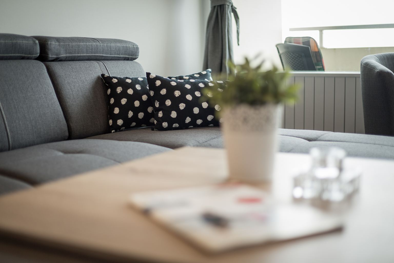 Wohnzimmerdetail - Haus Atlantic, Wohnung 93, 3-Zimmer-Ferienwohnung für bis zu 4 Personen, Alter Badweg 11-15, St. Peter-Bad