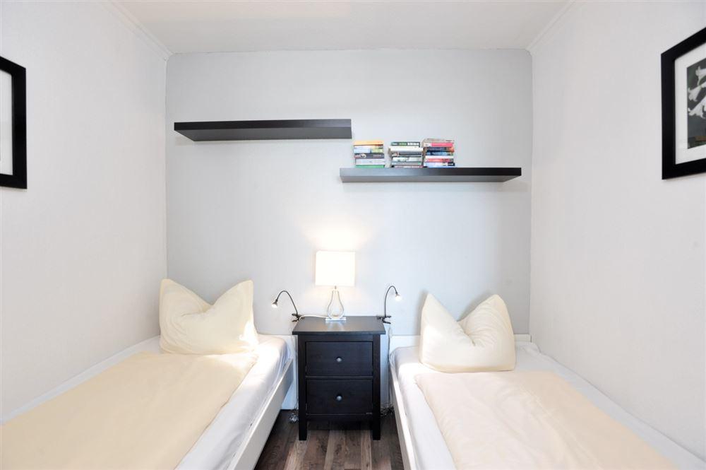 1. Schlafzimmer, Ferienwohnung Nr. 130, St Peter Ording Bad, Haus Atlantic,  Alter Badweg 11-15