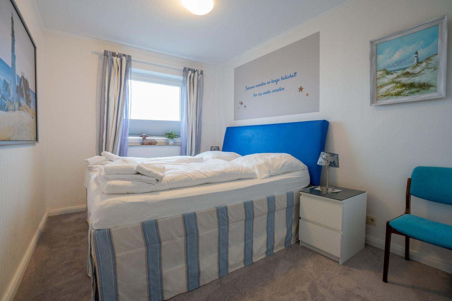 1. Schlafzimmer mit Ausblick