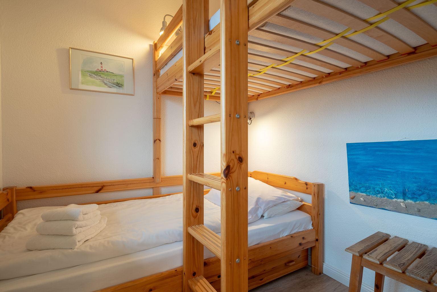 """2. Schlafzimmer - St Peter Ording Bad, Haus Atlantic, Wohnung 17 """"Regina"""""""