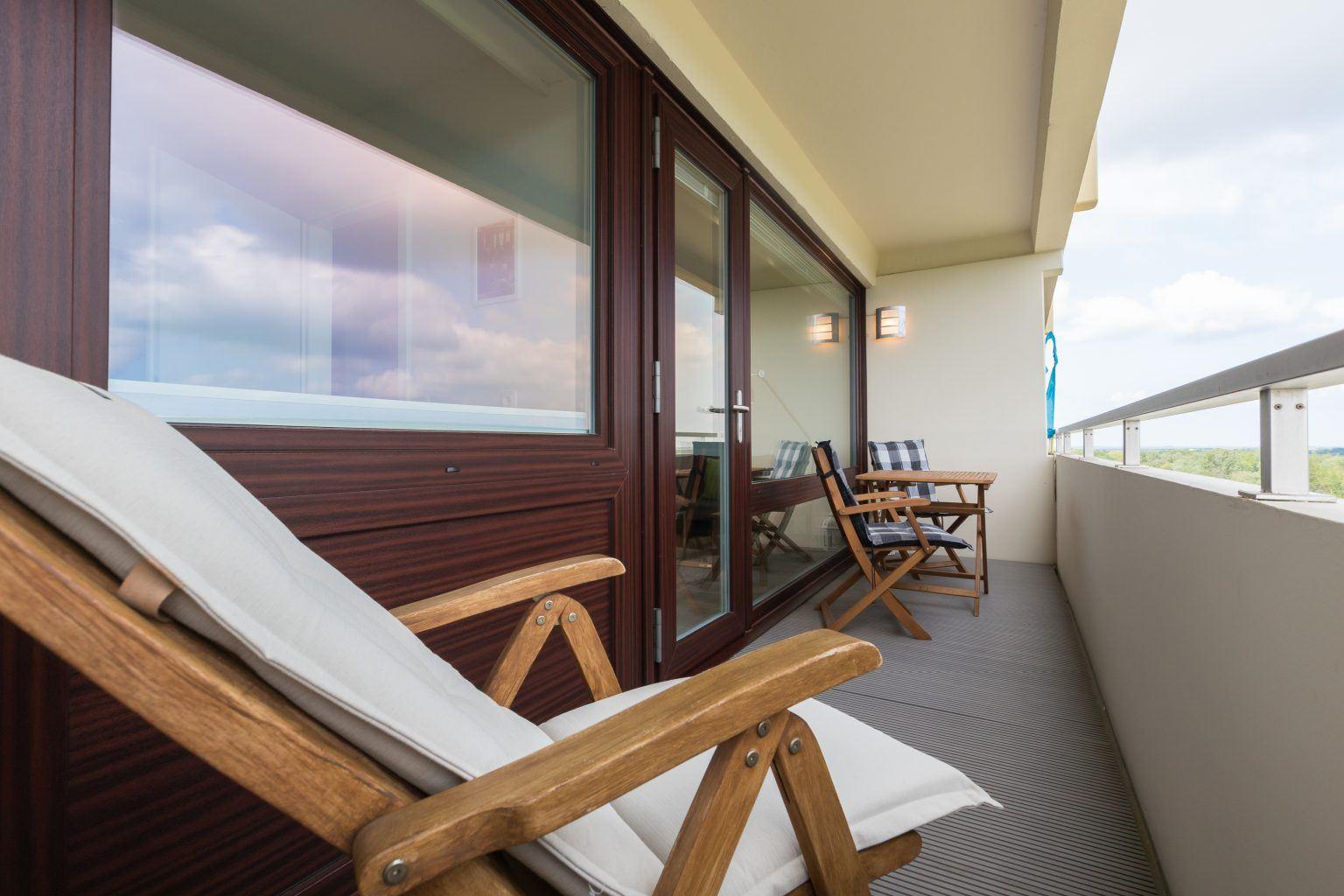 "möblierter Balkon - St Peter Ording Bad, Haus Atlantic, Wohnung 133 ""Nordmeer"""