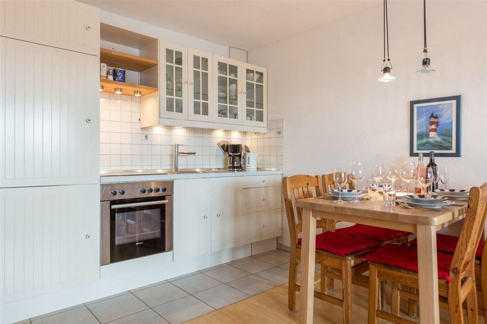 """Zum Böhler Strand 10, St. Peter-Böhl, Wohnung 2 EG links """"Nordseeblick"""" (ID 015) - Küche"""