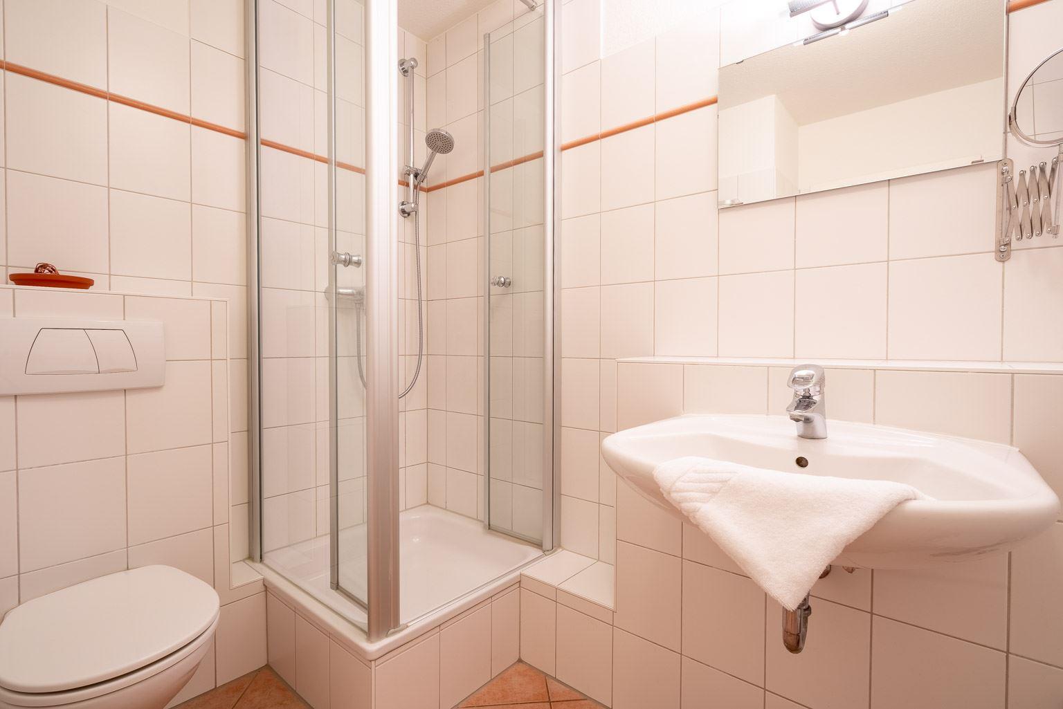 """Haus Zum Böhler Strand 10, Wohnung 11 """"Barghahn"""" (ID 365) - Badezimmer"""