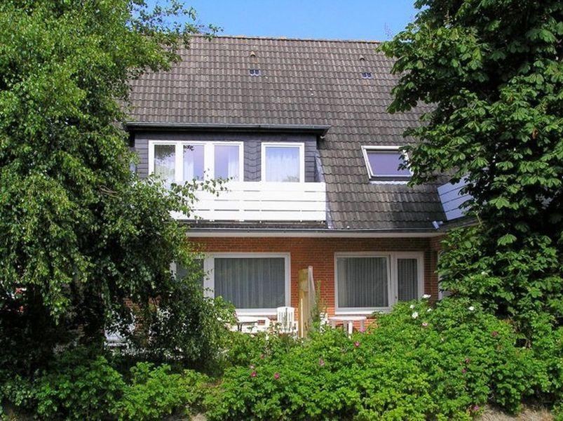 """Gartenansicht - St Peter Ording Boehl, Haus Kuhsteig 15, Wohnung EG """"Sigrids Klause"""""""