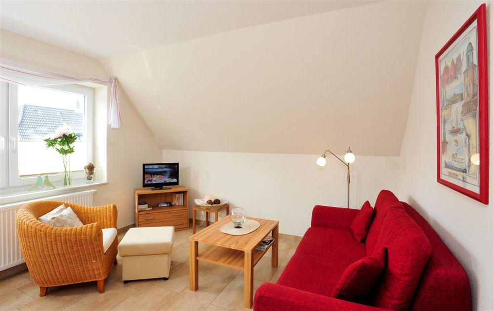 """Wohnzimmer - """"Brynjulf Bie"""", 3-Zimmer-Ferienwohnung, Badallee 26-26b, St. Peter-Dorf"""