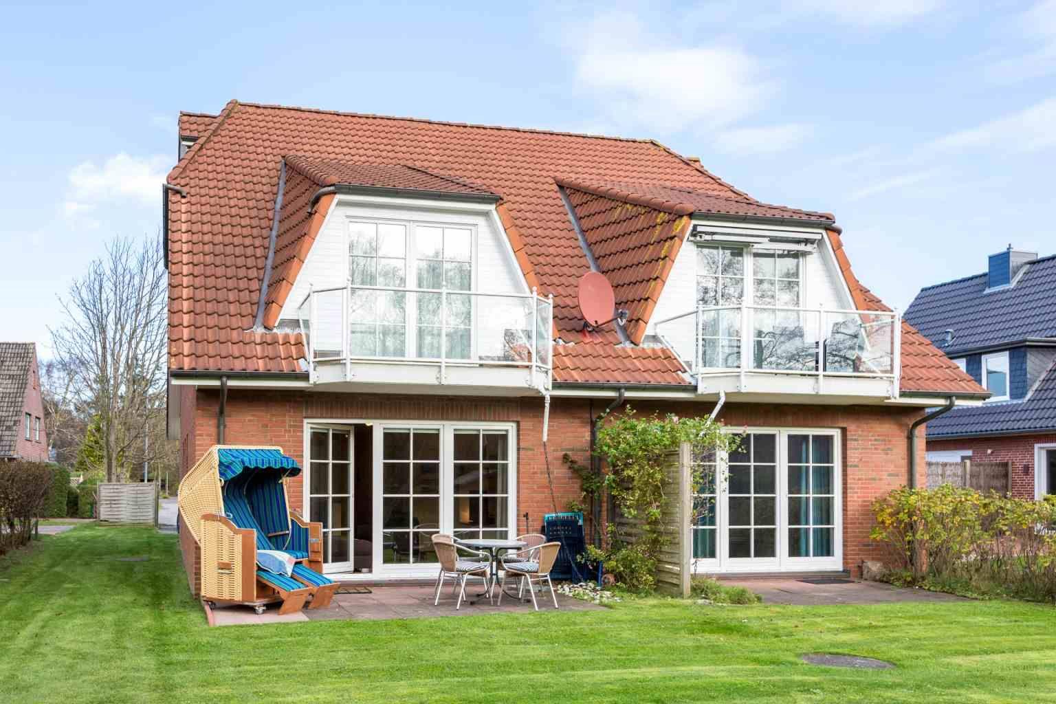 """Gartenterrasse - St Peter Ording Dorf, Haus Feldstrasse 12, Wohnung 1 """"Astrid"""""""