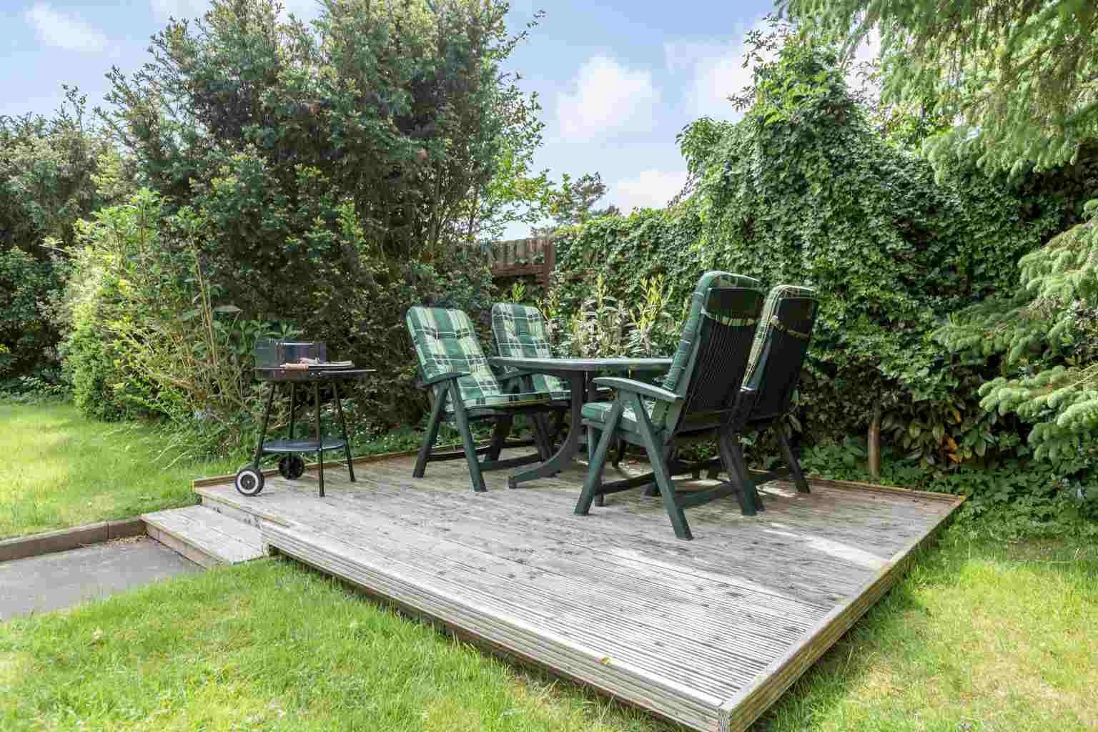 Grillecke im Garten - Haus Sturmmoewe, Wohnung 5, 2-Zimmer-Ferienwohnung, Badallee 27-27a, St. Peter-Dorf