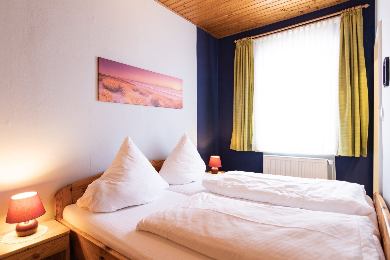 """Schlafzimmer, St Peter Ording Dorf, Haus """"Sturmmoewe"""", Wohnung 2"""