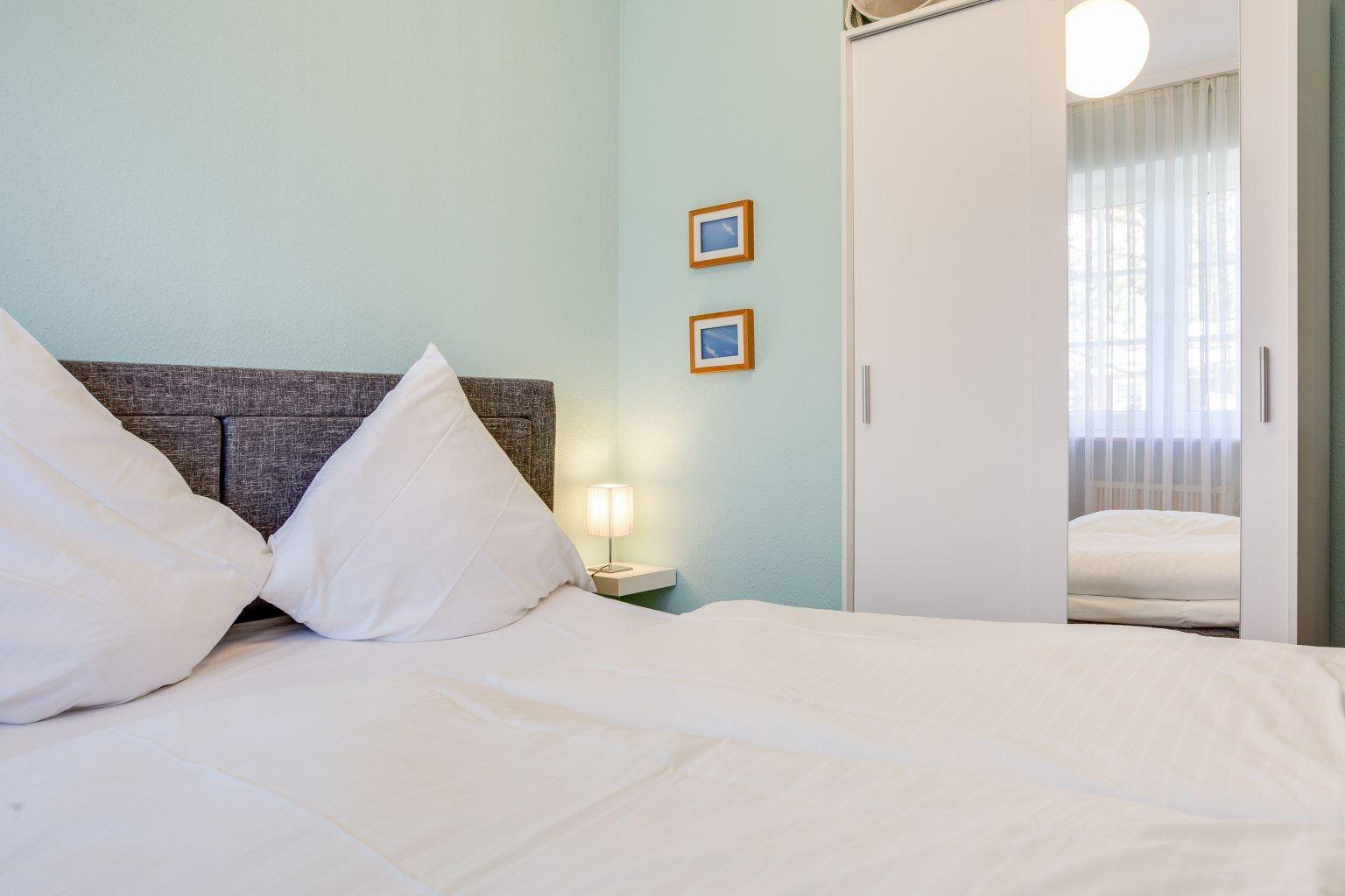 """Schlafzimmer - Ferienwohnung 15 """"Oase"""", Dorfstraße 49a, St. Peter-Dorf"""