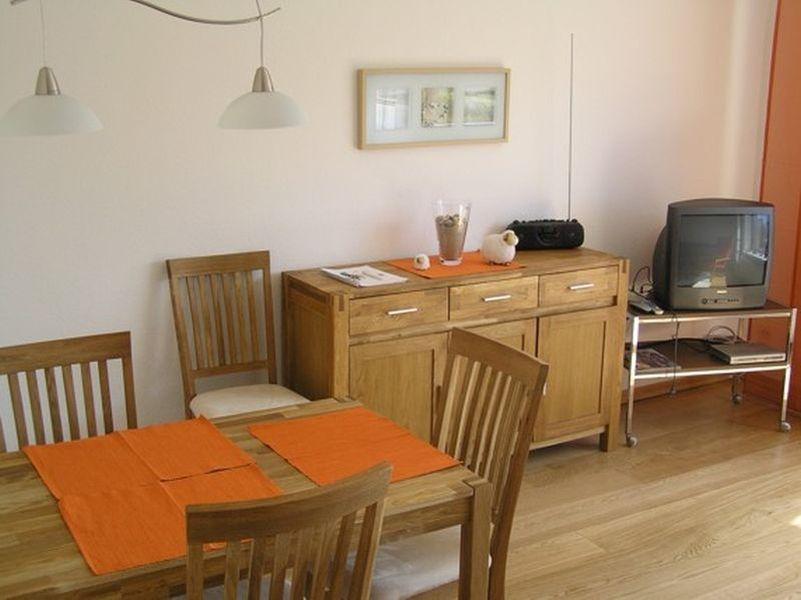 Essbereich 2-Zimmer-Ferienwohnung im Haus Seestern, Fasanenweg 18a, St. Peter-Dorf