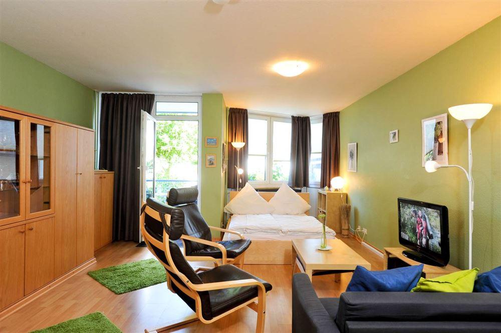 """Wohnzimmer Haus """"Residenz im Bad"""", Ferien-Wohnung 4 """"Seebrise"""" - Im Bad 22-24, St. Peter-Bad, SPO"""