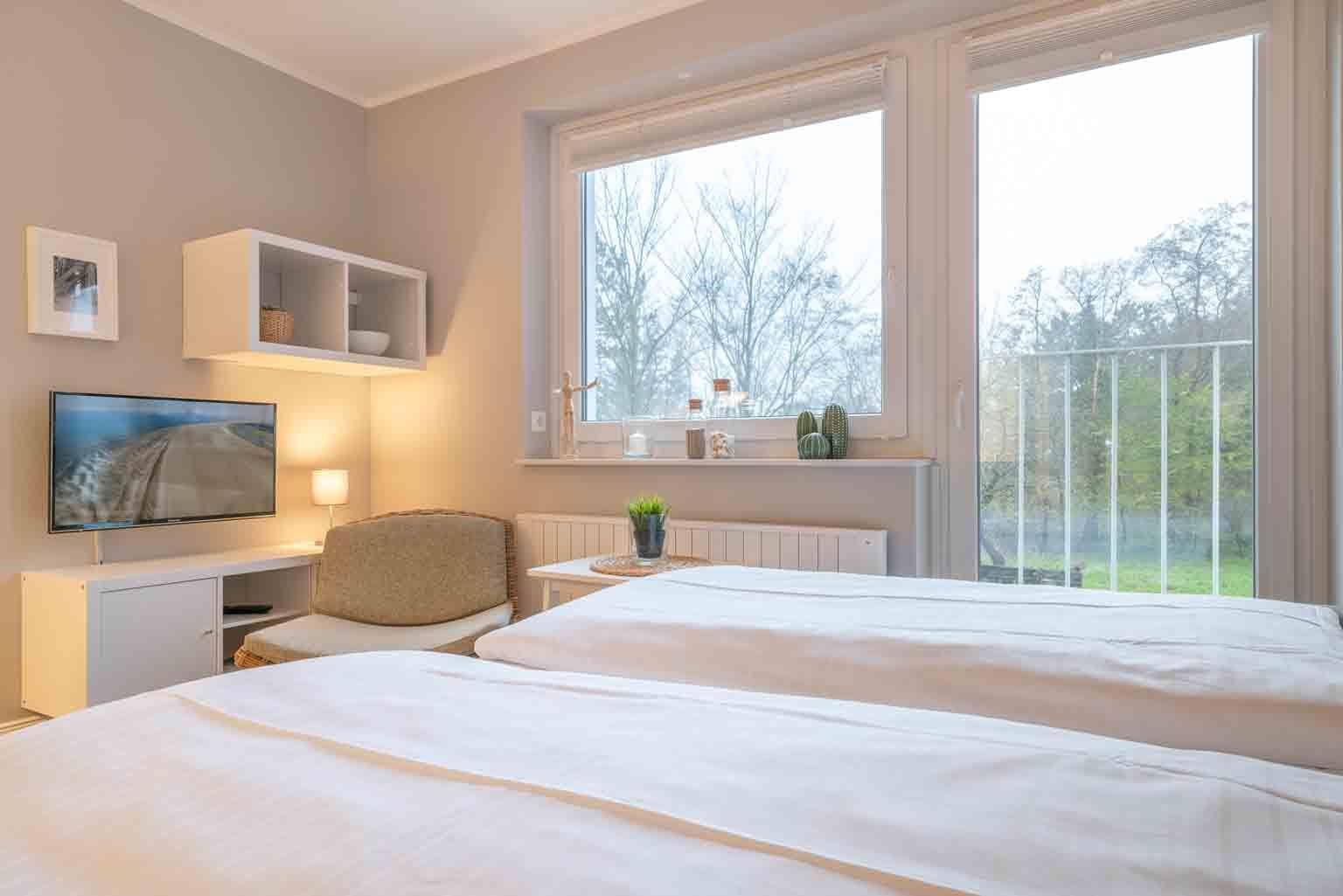 Wohnzimmer mit französischem Balkon