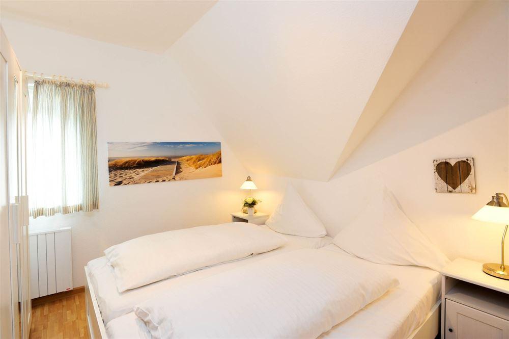 Schlafzimmer - Wanlik-Hues, Wohnung 5, 2-Zimmer-Ferienwohnung, Dorfstraße 27, St. Peter-Dorf