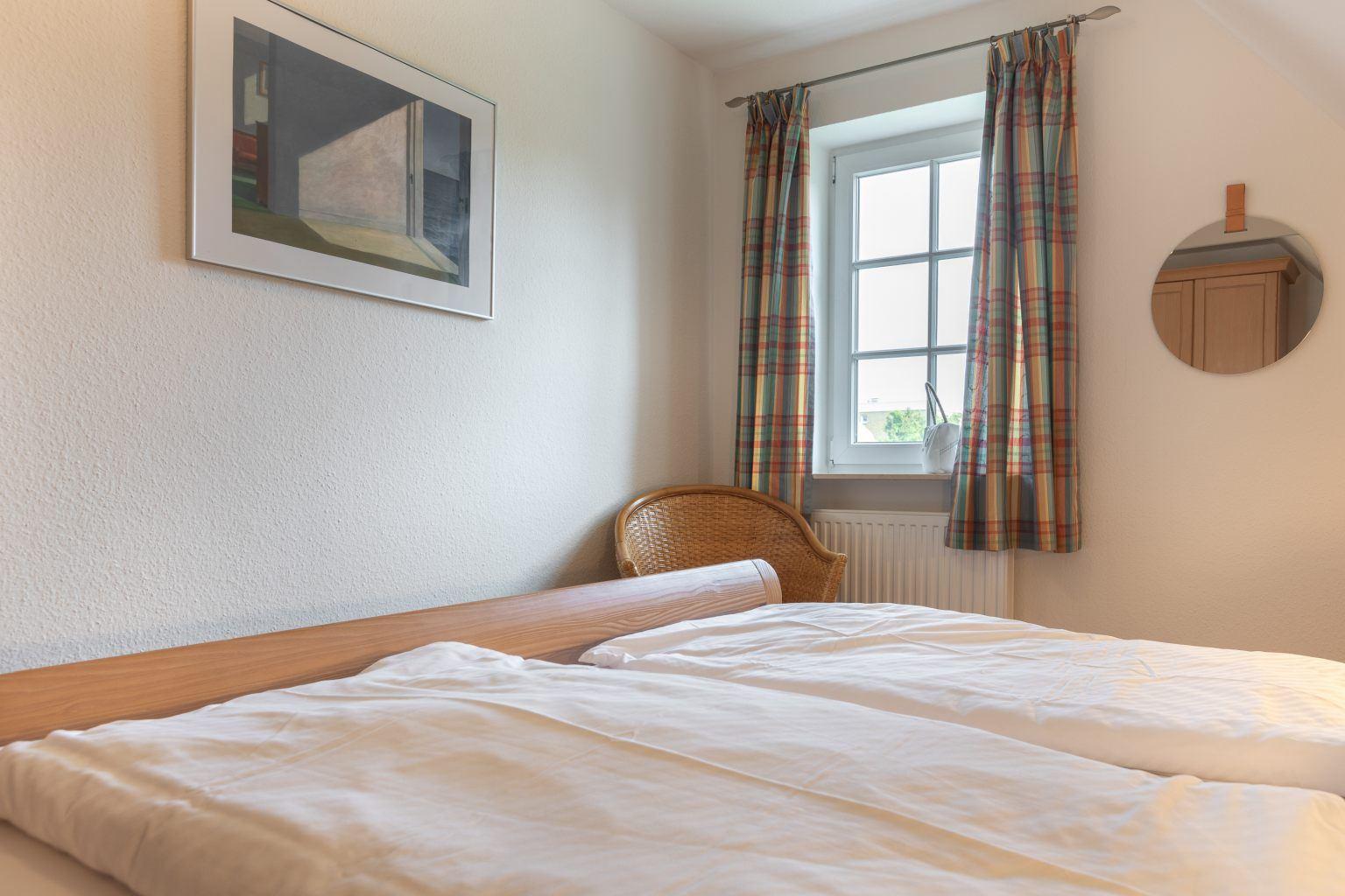 """1. Schlafzimmer """"Sommerwind"""", 3-Zimmer-Ferienhaus, Ostlandstraße 22, St. Peter-Dorf"""