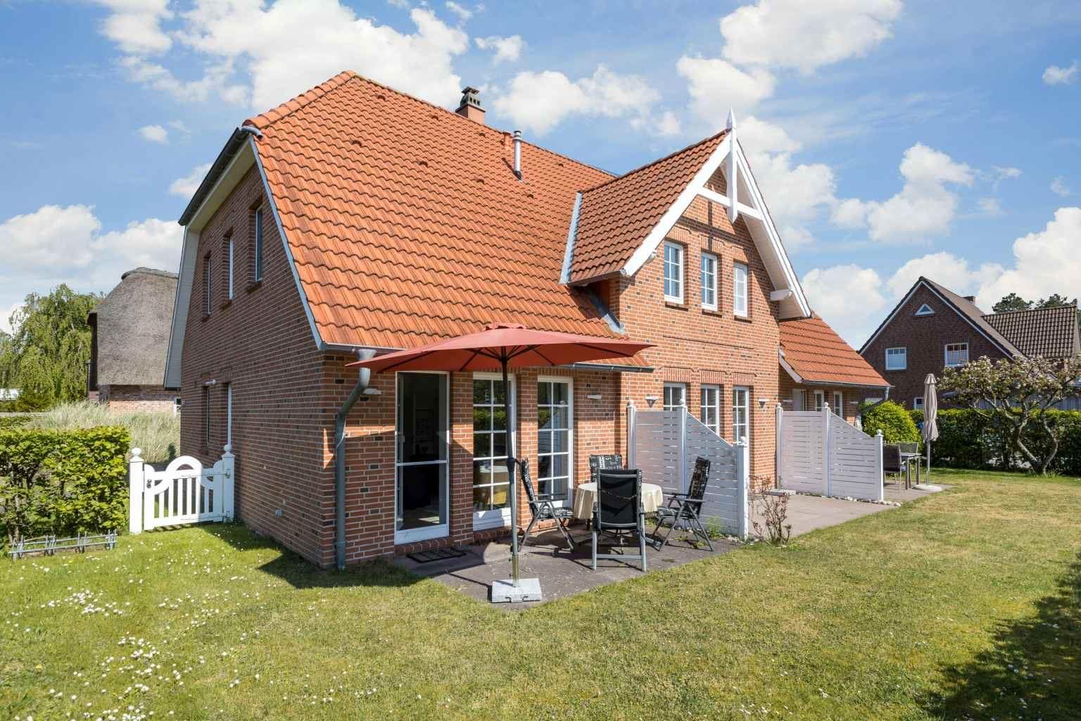 "Gartenansicht - St Peter Ording Dorf, Haus Ostlandstrasse 22, Hausteil ""Ringelsocke"""