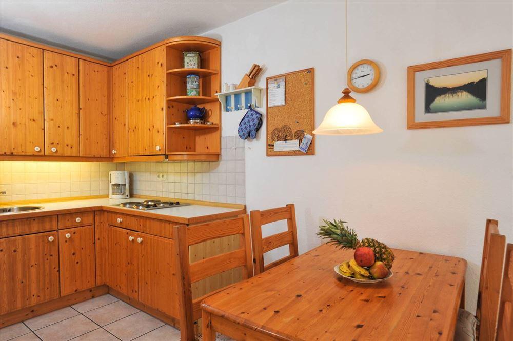 """Küche mit Essbereich - Haus """"Boehler Eck"""" Hausteil 146b """"Gråkallen"""", 3-Zimmer-Ferienhaus für bis zu 4 Personen,  Böhler Landstraße 146-154, St. Peter-Böhl"""