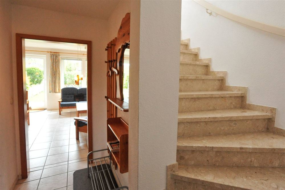 """Treppe zum OG - Haus """"Boehler Eck"""" Hausteil 146b """"Gråkallen"""", 3-Zimmer-Ferienhaus für bis zu 4 Personen,  Böhler Landstraße 146-154, St. Peter-Böhl"""