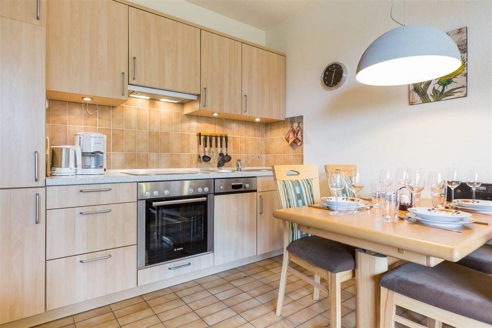 Küche  in der 2-Zimmer-Ferienwohnung im Haus Atlantis,  Strandpromenade 19, St. Peter-Bad