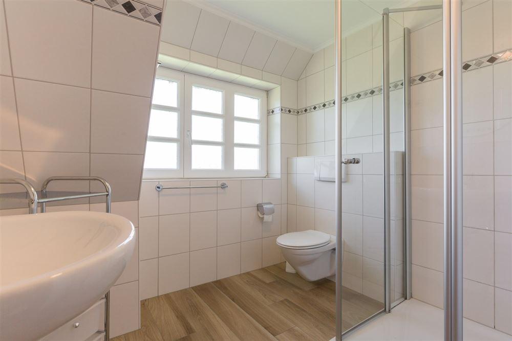 Badezimmer im OG Ferien-Haus Frieseneck, SPO