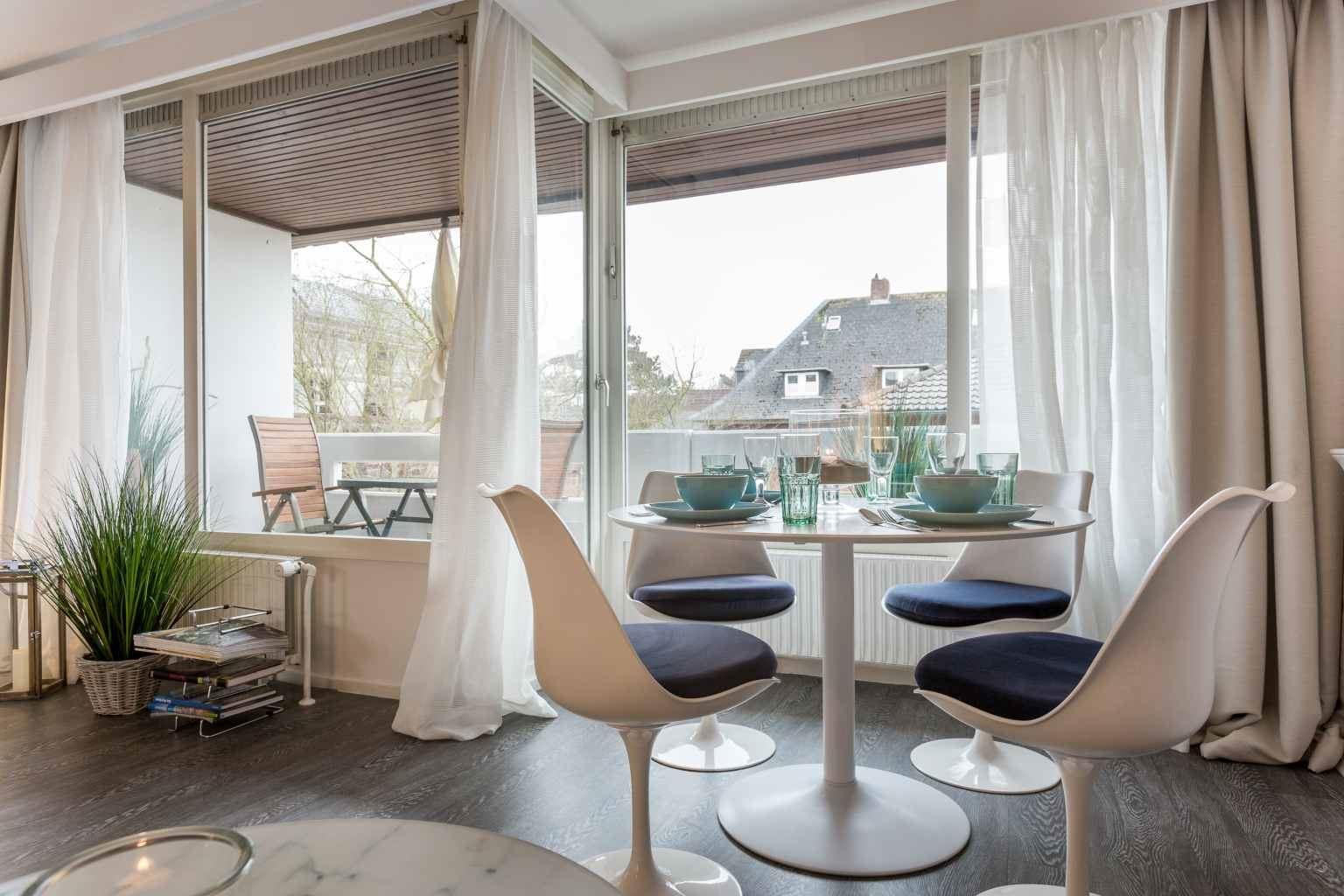 Wohnzimmer mit Essbereich - Haus Loreley, Wohnung 26, Im Bad 37, St. Peter-Bad