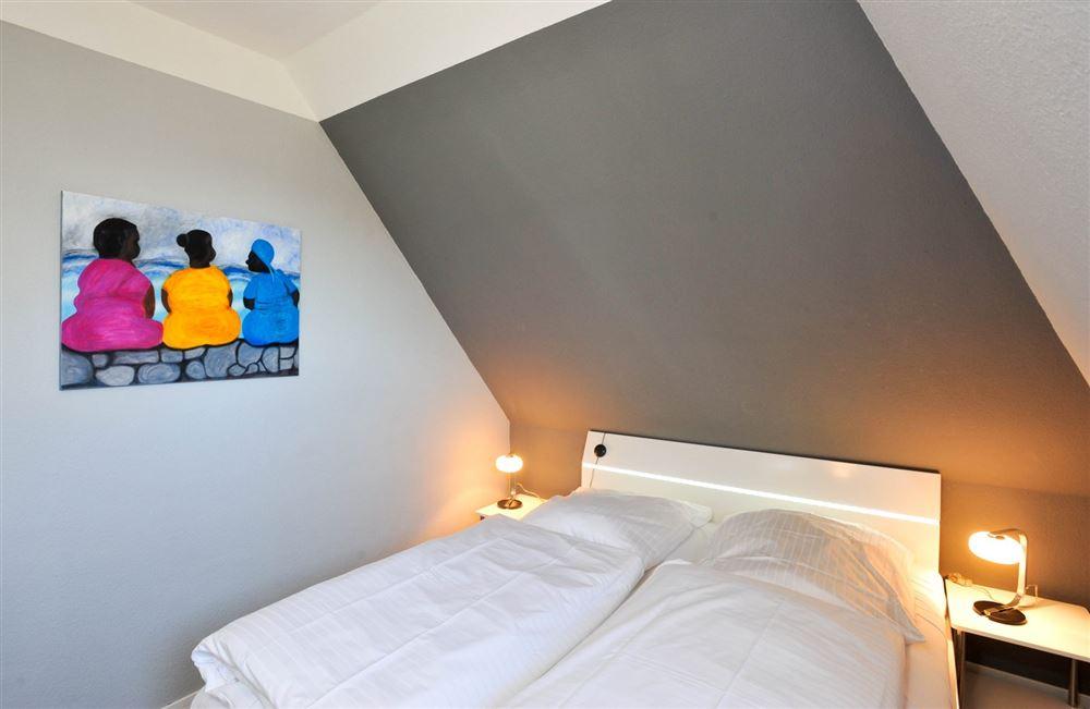 Schlafzimmer - Haus Austernfischer, Wohnung 4, Klaus-Groth-Weg 26, St. Peter-Bad