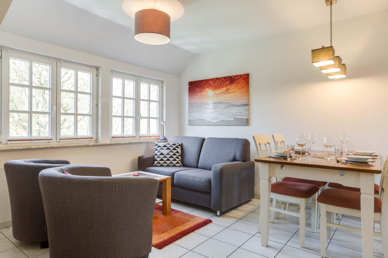 Wohnzimmer Wohnung OG, 3-Zimmer-Ferienwohnung für bis zu 4 Personen, St. Peter-Dorf