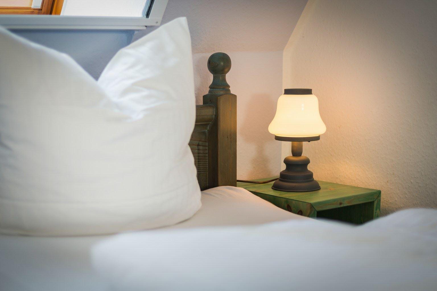 Schlafzimmer Wohnung OG, 3-Zimmer-Ferienwohnung für bis zu 4 Personen, St. Peter-Dorf