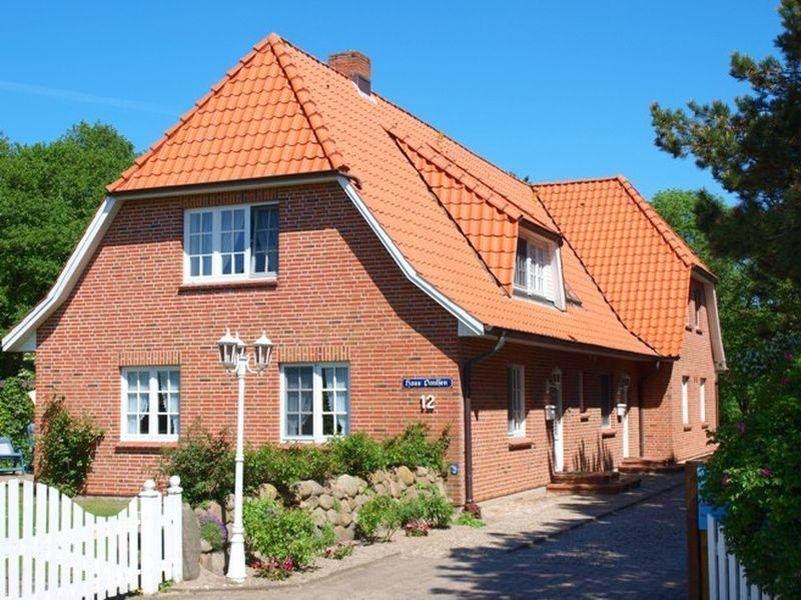 Aussenansicht Haus Paulsen, Zum Südstrand 12, St. Peter-Dorf