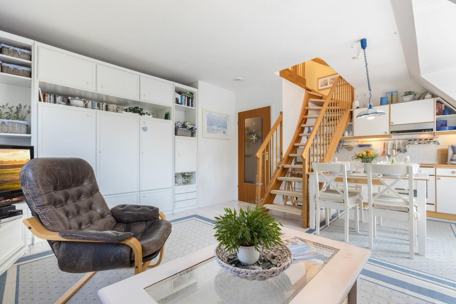 Wohnzimmer, Küche und Essbereich