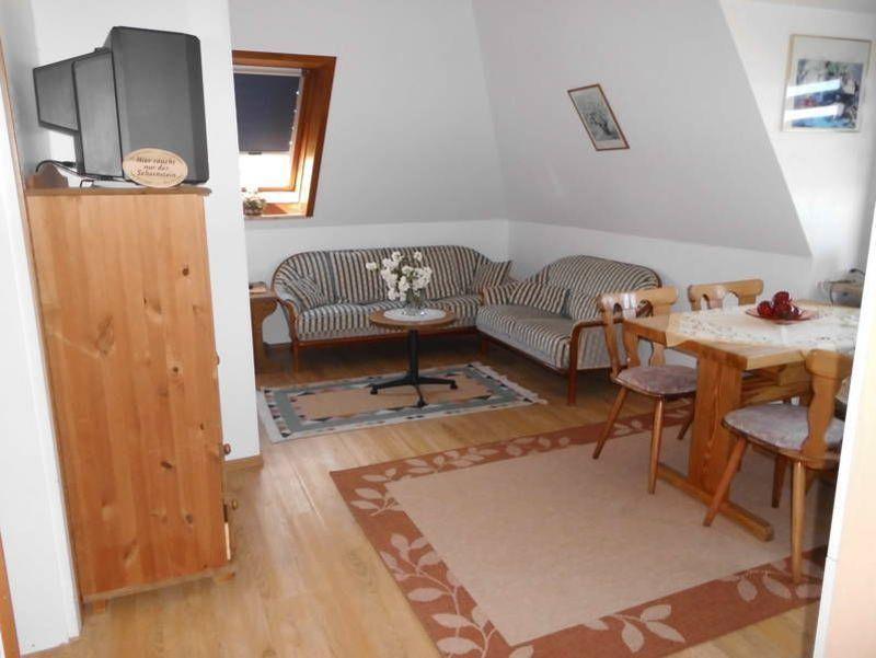"""Wohnzimmer - St Peter Ording Umgebung, Ferienhof Deblitz, Wohnung 2 """"Meeresbrise"""""""