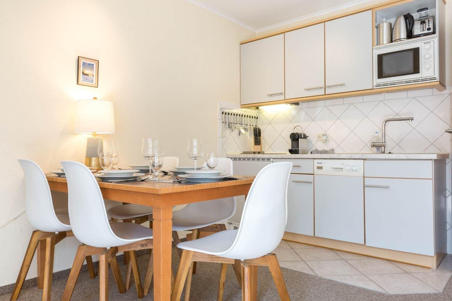 Essbereich und Küche - St Peter Ording Bad, Friesenresidence, Appartement Hornklee