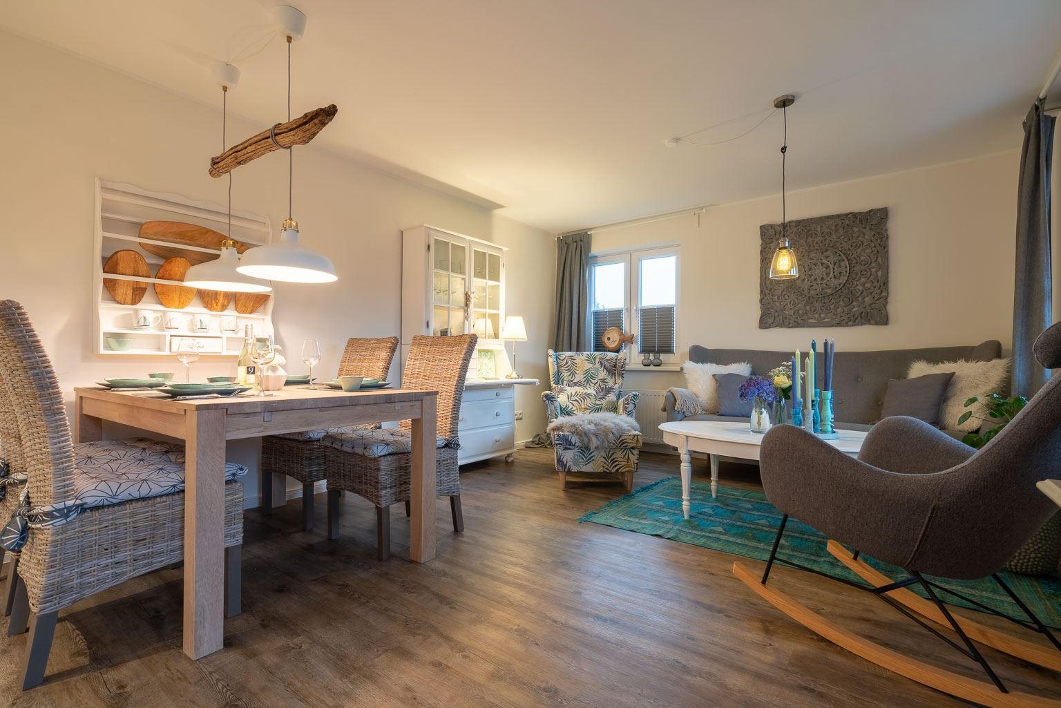 """Wohnzimmer Wohnung 1 """"Nordstern"""", Gartenweg 3, St. Peter-Dorf"""