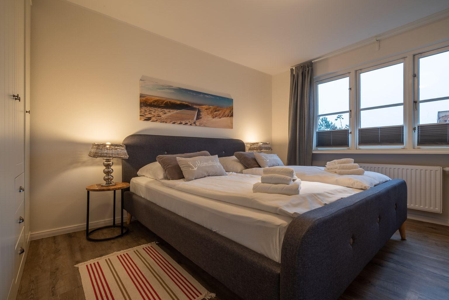 """1. Schlafzimmer Wohnung 1 """"Nordstern"""", Gartenweg 3, St. Peter-Dorf"""