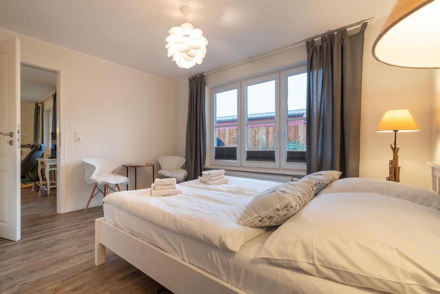 """2. Schlafzimmer Wohnung 1 """"Nordstern"""", Gartenweg 3, St. Peter-Dorf"""