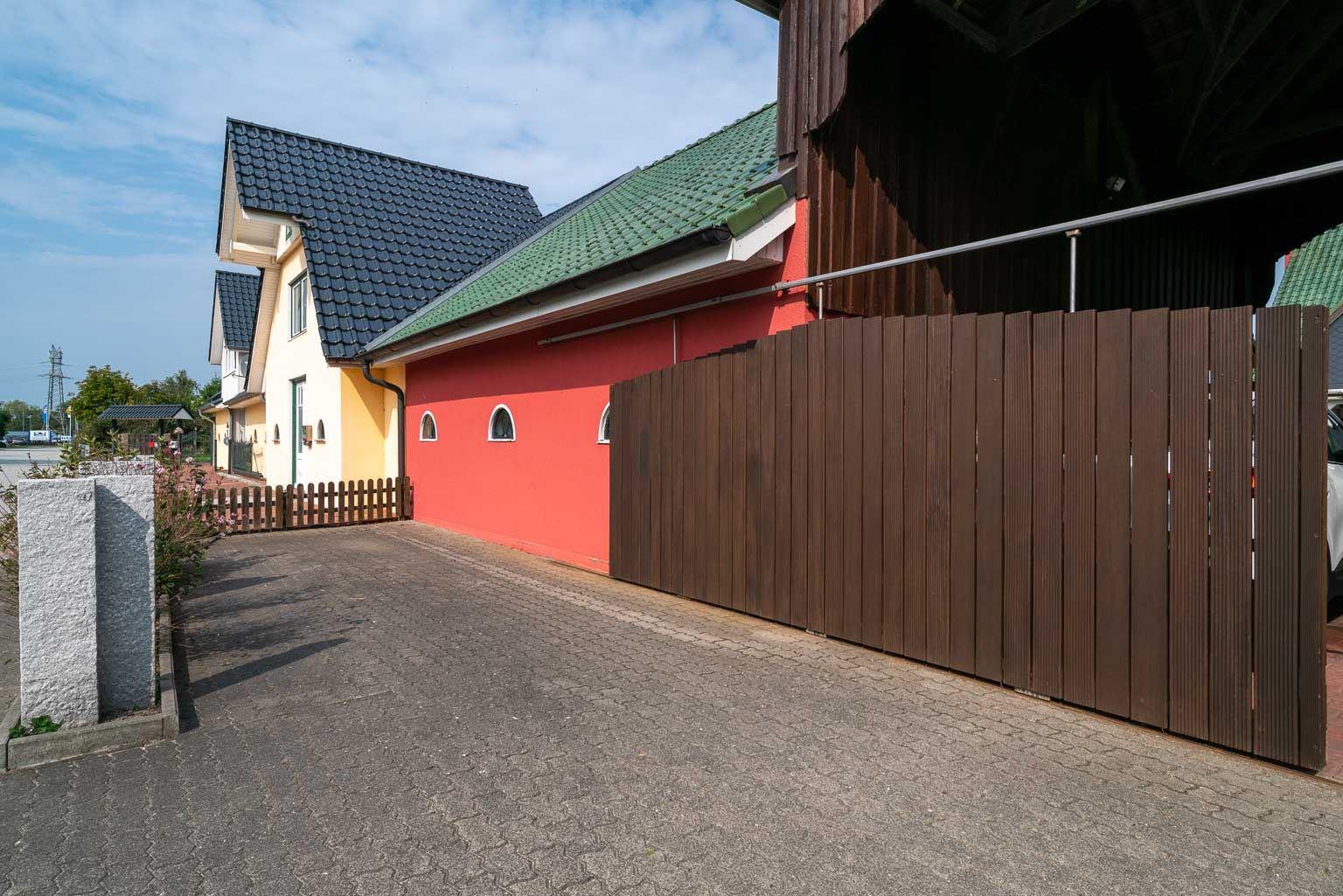 Haus Margarete -Wohnung OG - Pkw-Stellplatz vor dem Garagenhaus