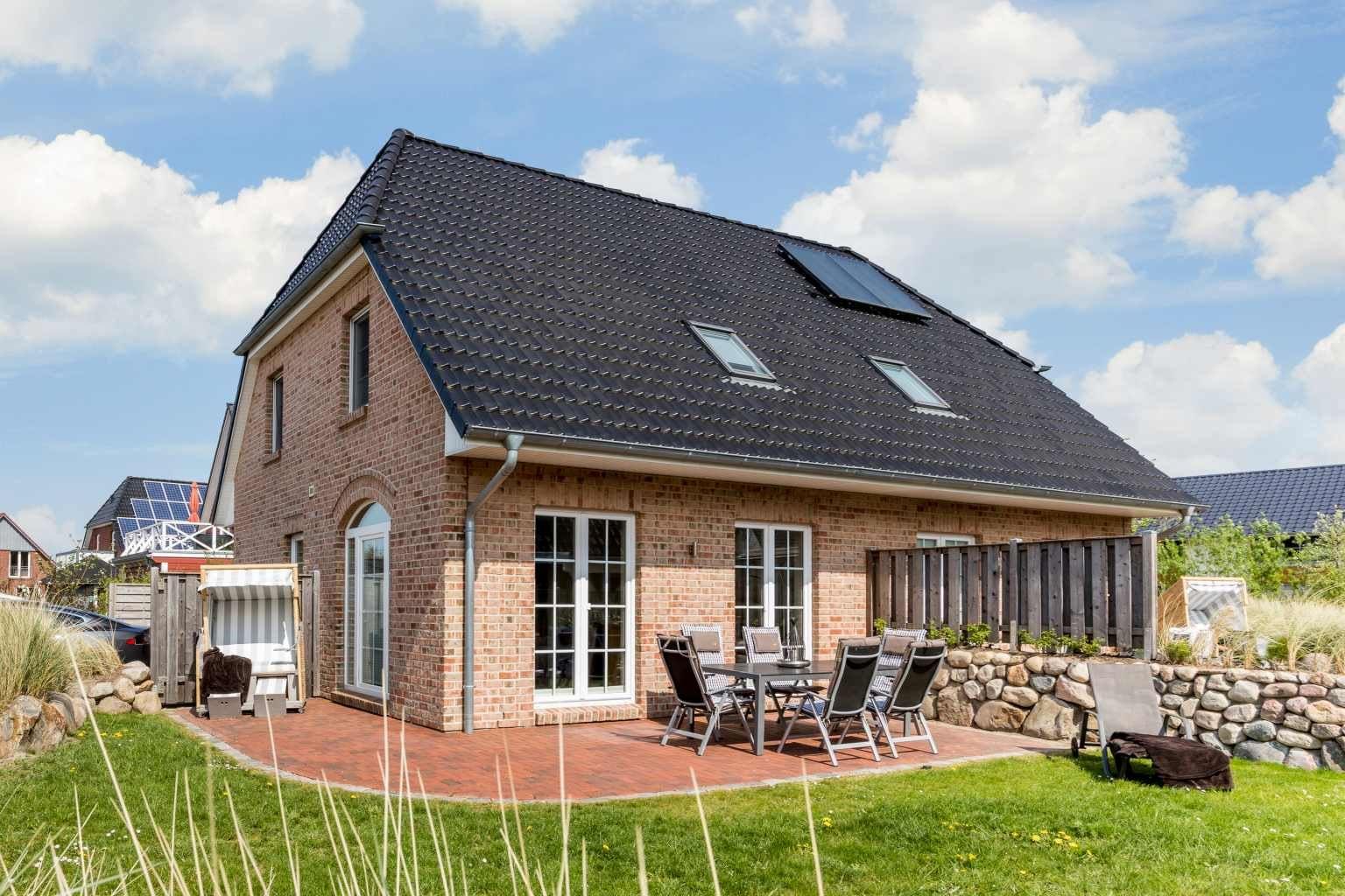 """Sonniger Garten - St Peter Ording Dorf, Haus Op de Geest 44, Haushaelfte A """"Droemhus"""""""
