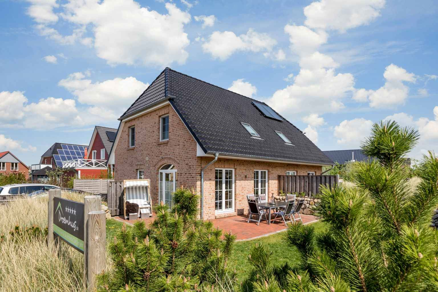 """Aussenansicht - St Peter Ording Dorf, Haus Op de Geest 44, Haushaelfte A """"Droemhus"""""""