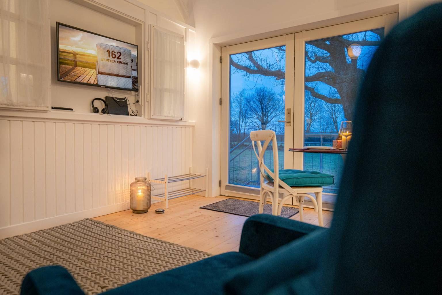 Wohnzimmer und TV