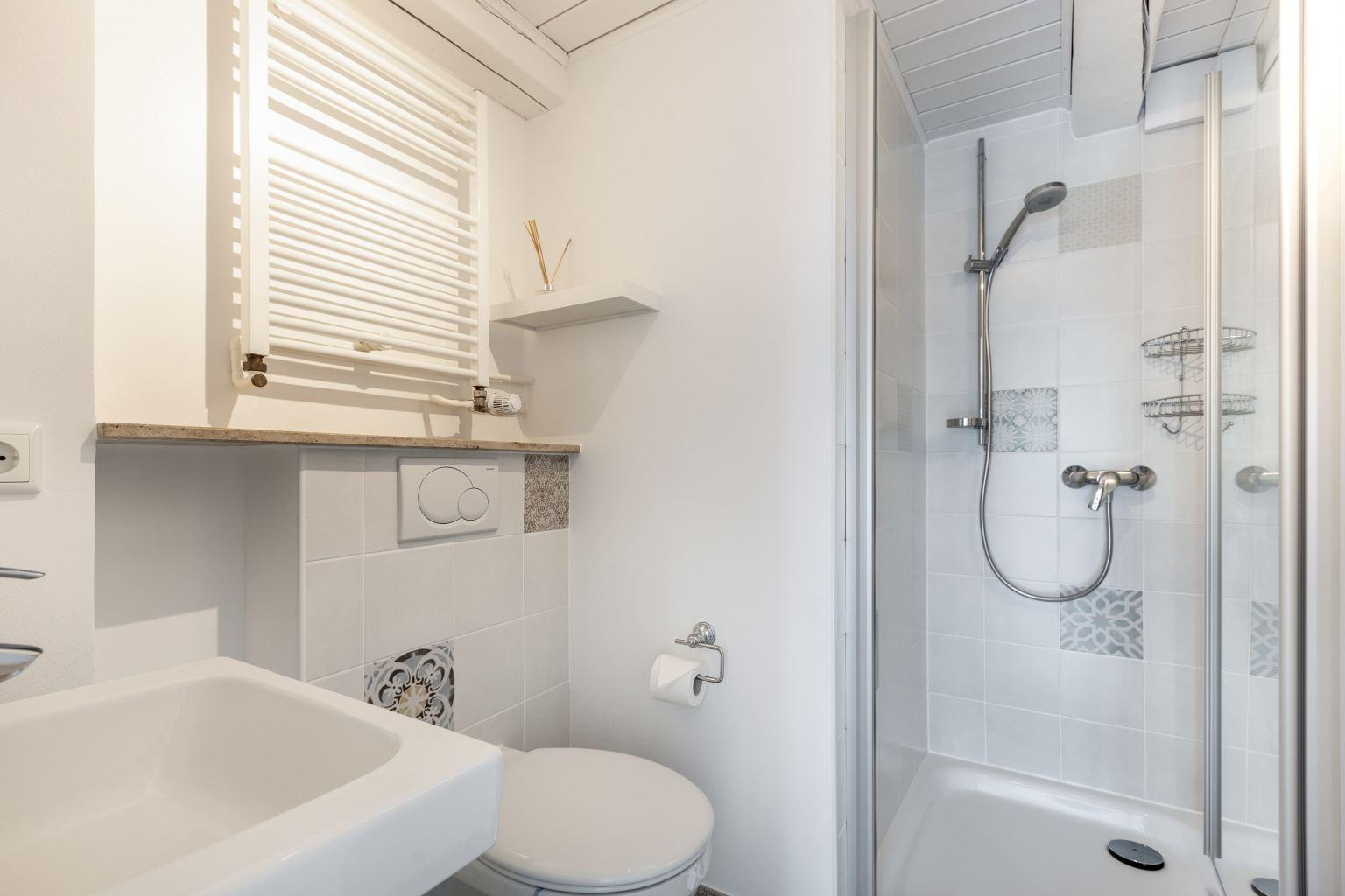 1. Badezimmer (Whg. 1, EG)