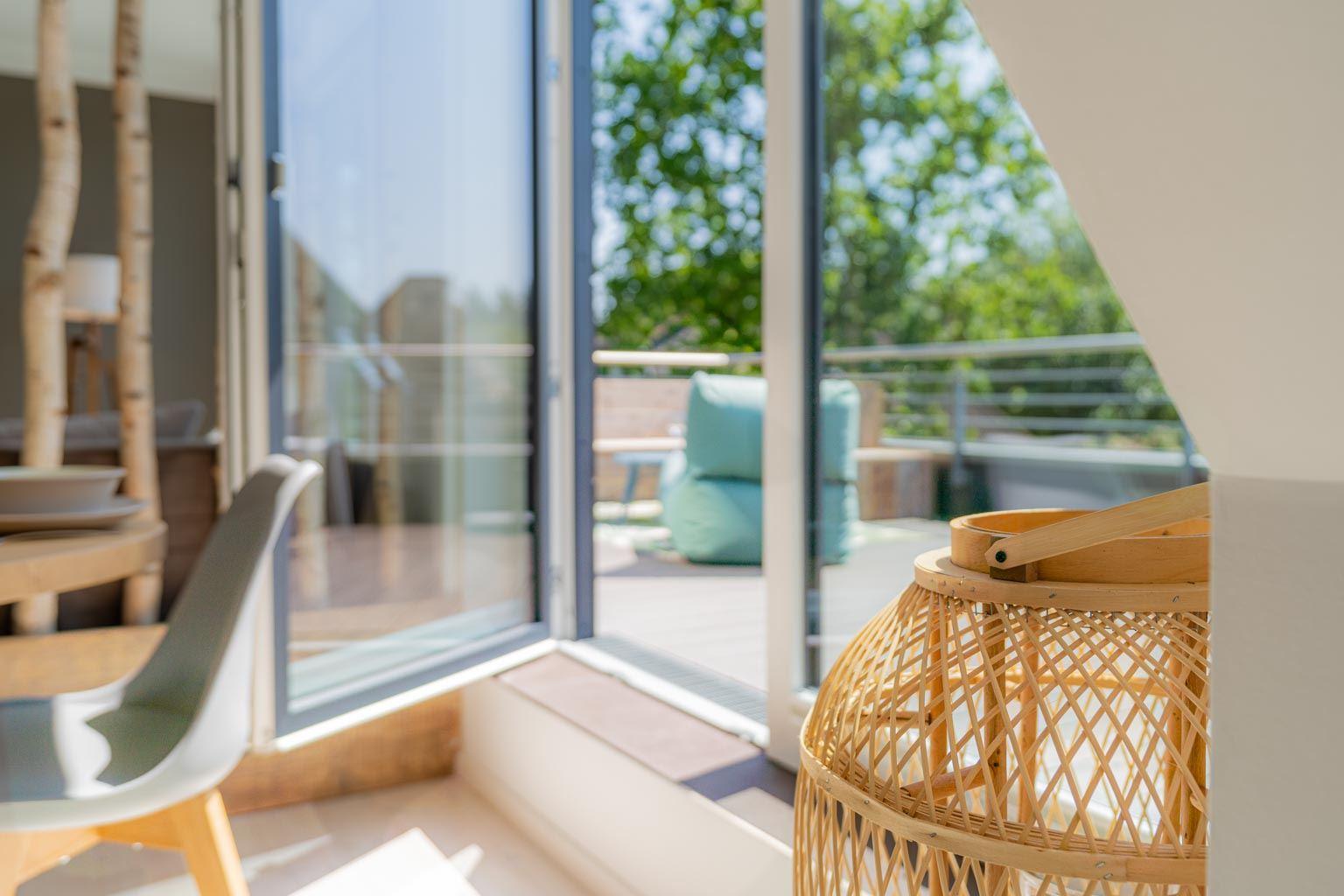 Zugang zur sonnigen Dachterrasse