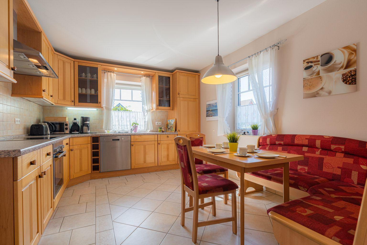 Küche mit Sitzeckbank