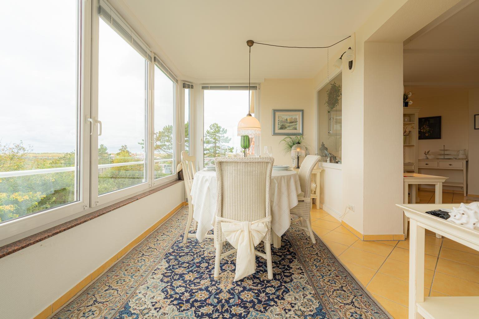 Wintergarten-Balkon mit Panorama-Meerblick